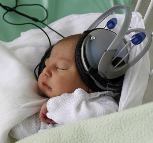 Musicoterapia aiuta bambini a percepire meno dolore, lo dimostra uno studio